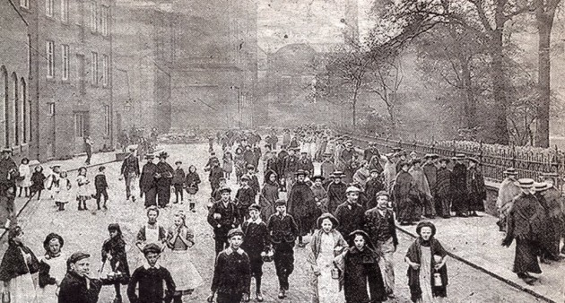 Workers-leaving-the-Yard-Works.1910-630x338